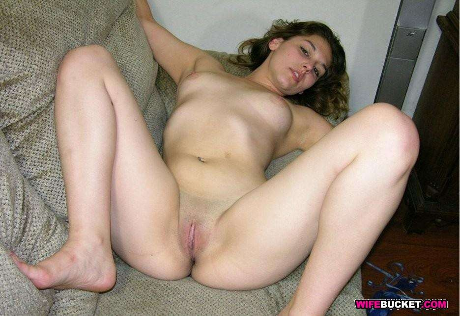 Naked first-timer wives - Pichunter