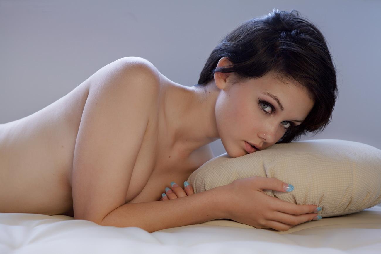 Download 2650x1767 pix image of girl,..