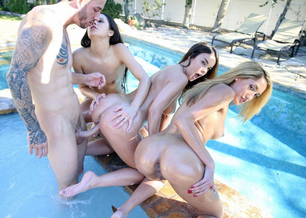 Moist maidens - Dillion Harper, Chloe..